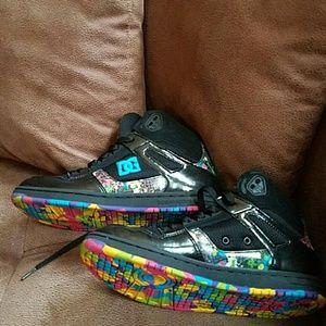Women's DC skateboard shoes
